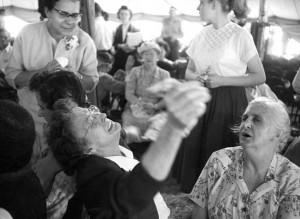 Zeltversammlung unter der Leitung von Oral Roberts im Jahr 1956
